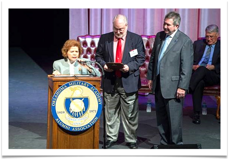Raqui thanks the OMA Alumni Association for the honor bestowed on her husband,