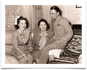 Mother and Nadine with Ed in Uniform